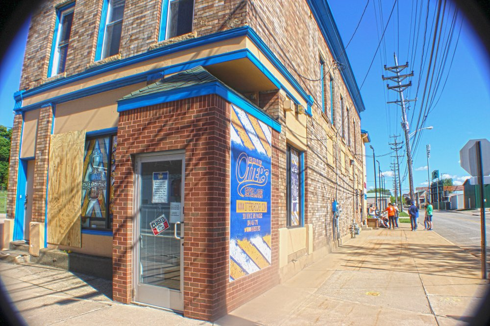 <p>The Erie Otters office on 8th Street where a fire occcured. Photo by Nick Warren.</p>