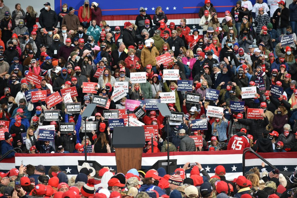 "<p><span style=""font-family: Arial, Helvetica, sans-serif; font-size: 12px; background-color: #f2f2f2;"">Make America Great Again Rally in Erie, PA</span></p>"