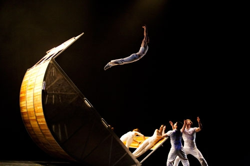LA-based Dance Troupe Diavolo Brings 'Architecture in Motion' to MIAC by Dan Schank