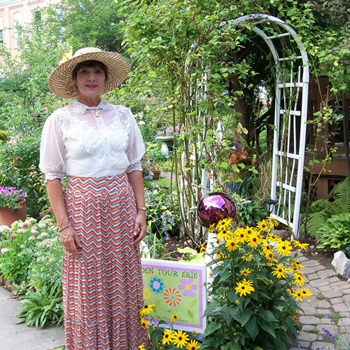 Garden Tour Erie Seeks to Pollinate Interest by Cara Suppa