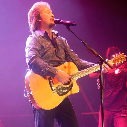 Travis Tritt Takes Over Presque Isle Downs & Casino by Alex Bieler