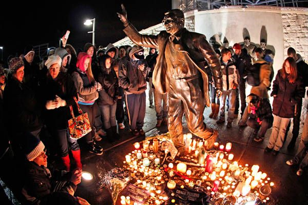 Paterno Dies With His Legacy In Dispute by Jay Stevens