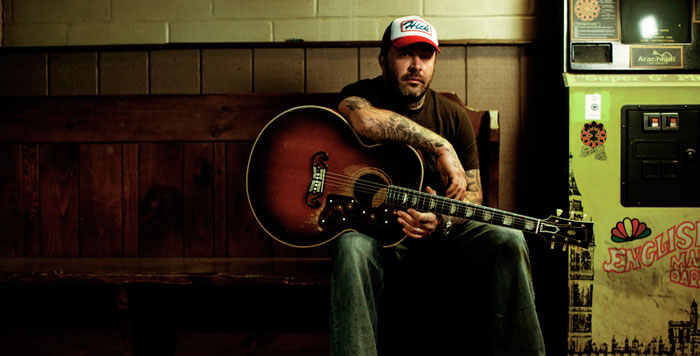 Former Staind Frontman Aaron Lewis Brings Country Stylings to Casino
